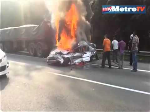 Kemalangan maut kereta terbakar