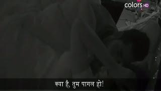 Bigg Boss 11: Salman Khan exposed Puneesh Bandgi Make Out plan In Bathroom |
