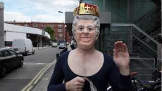 The Queen goes to Bushstock