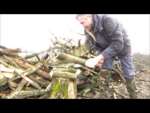 Wood processing with Fallkniven F1. Kukri and Fiskars X7 axe