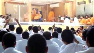 Guruhari Darshan 18 Feb 2015 - Pramukh Swami Maharaj