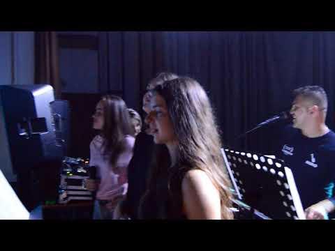 Rolland a dievčenské trio z Čirča