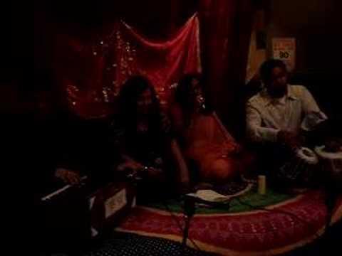 Aaj Jane Ki Zid  Na Karo -mehfil E Sangeet - Dr Asha & Jyoti video
