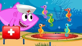 5 Little Baby Sharks Seahorse Jumping on the Bed - Mommy Shark Nurse Version