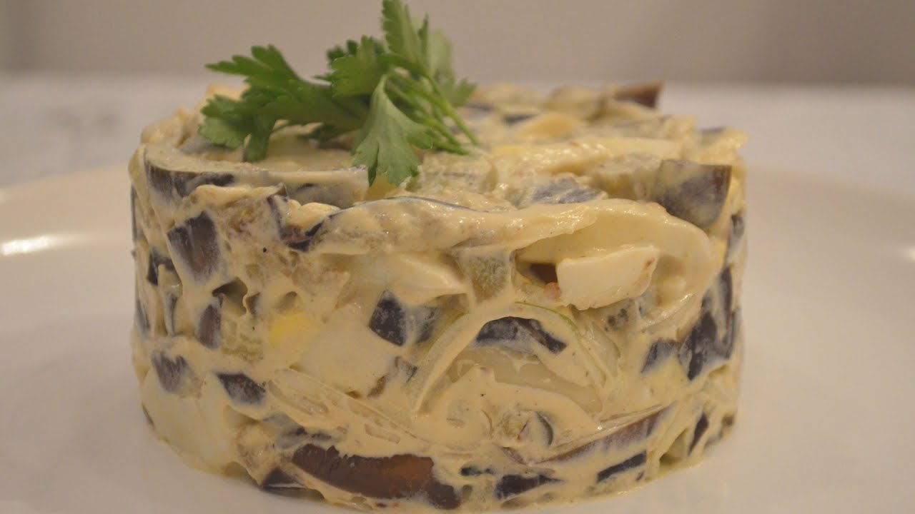 Салат из баклажан с яйцом и луком с майонезом рецепт пошаговый