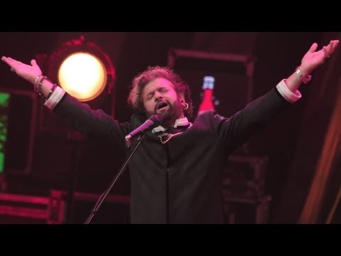 One of the most epic & powerful Punjabi voices, Hans Raj Hans, comes together with the very talented Shruti Pathak on a song that effortlessly blends these s...