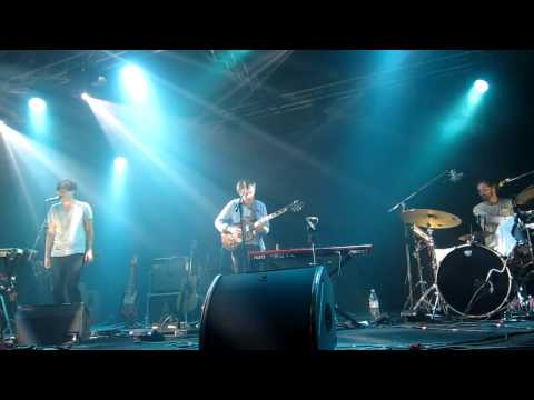 Foreground +Gun-Shy + Ready, Able- Grizzly Bear  2013 live @ Taipei