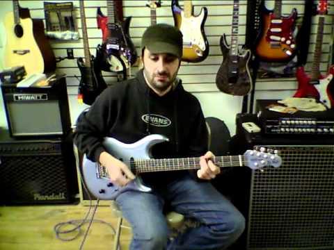 Ernie Ball Music Man Steve Lukather Luke Guitar