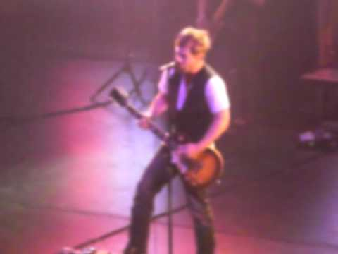 David Cook-kiss On The Neck (4-27-09) video