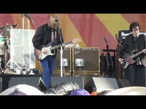 Tom Petty - Traveling Light (JJ Cale Cover) - New Orleans Jazz and Heritage Festival - 4/28/12