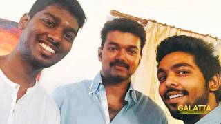 Vijay shoots under water for Theri