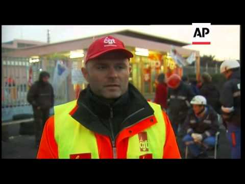 Workers at Grandpuits refinery after Senate vote ADDS Paris, Lyon, refuelling