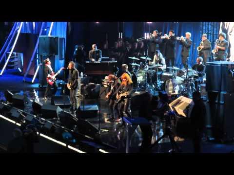 Bruce Springsteen & The E Street Band - E Street Shuffle 4-10-2014  Rock & Roll Hall of Fame