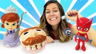 El dentista de Play Doh. Guardería Infantil el Segundo Turno. Vídeo de juguetes.