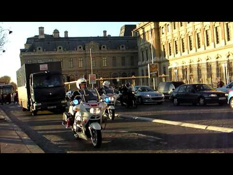 Paris Police Motorcade with Machine Guns and Motorcycles Escort - Banque de France