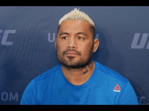 Mark Hunt isn't happy with his situation ahead of UFC 209