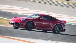 2019 Porsche 911 Carrera 4S – Driving Scenes