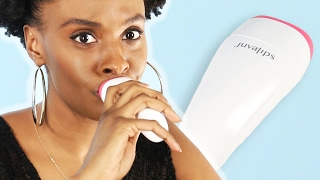 Women Try An Electronic Lip Plumper