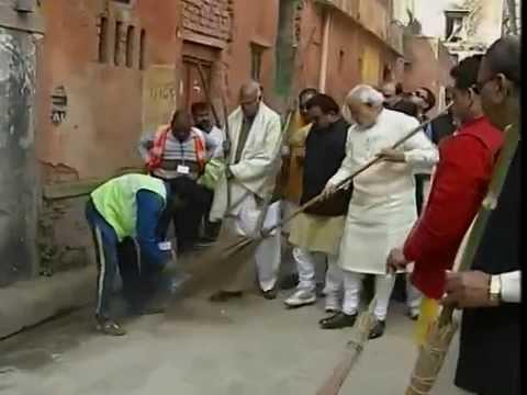 Prime Minister Narendra  Modi takes part in Swachh Bharat Abhiyan in Varanasi