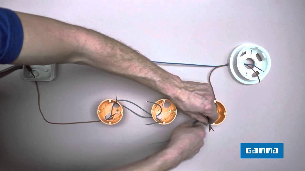 Kruis- en parallel schakelaar aansluiten u0026 Elektriciteit leggen ...