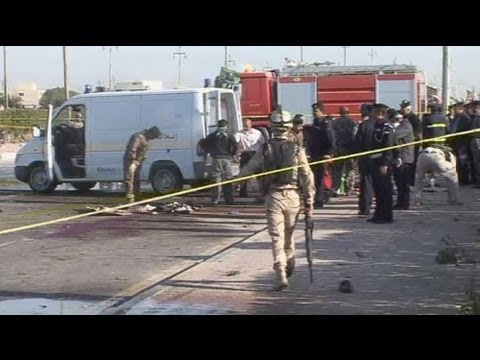 Shi'ite pilgrims killed in Iraq suicide attack