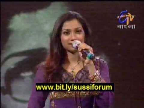 Shreya Ghoshal singing Lata Mangeshkar classic Chalte chalte...