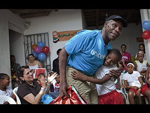 UNICEF Goodwill Ambassador Danny Glover's visit highlights children's rights in Colombia