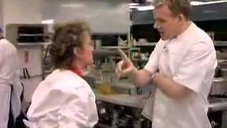 download musica Gordon Ramsay misses a slap in the face