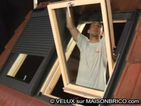 pose d 39 un volet roulant solaire velux sur maisonbrico. Black Bedroom Furniture Sets. Home Design Ideas