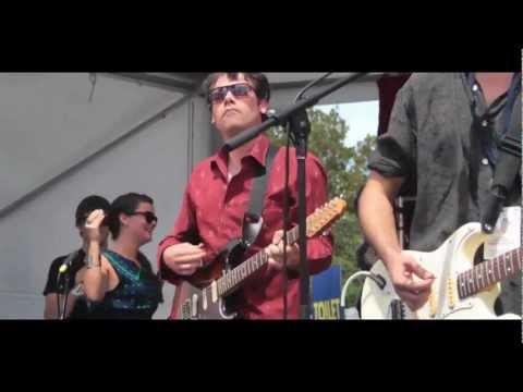Eagle & The Worm Live @ St Kilda Fest 2013