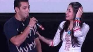Salman Khan pulls Kareena Kapoor's leg