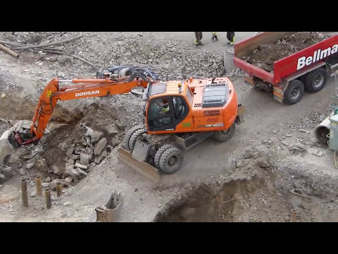 Doosan DX160W with Indexator tiltrotator