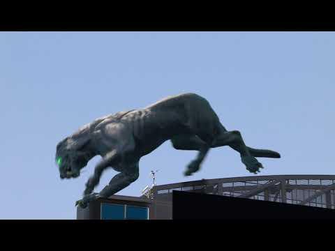 Una gigantesca pantera virtual irrumpe en un partido de la NFL