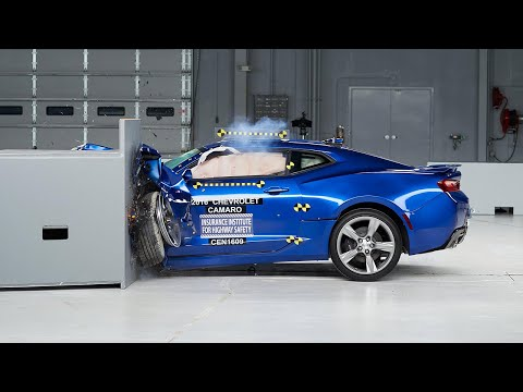 2016 Chevrolet Camaro small overlap IIHS crash test