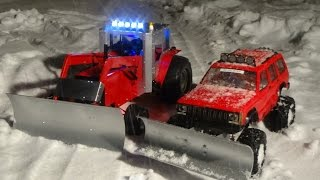 Rc 4x4 snow plowing,rc tractor snow plowing,exhaust smoking and engine sound.