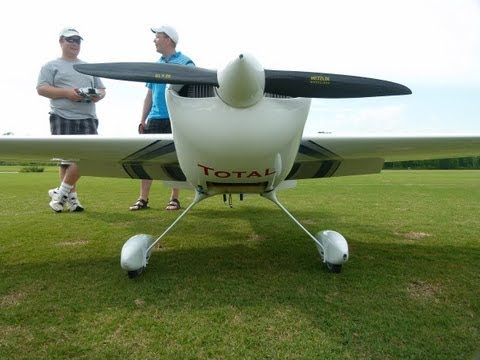 Flight testing a Custom Carden Edge 540 VW  pilot Joe Smith