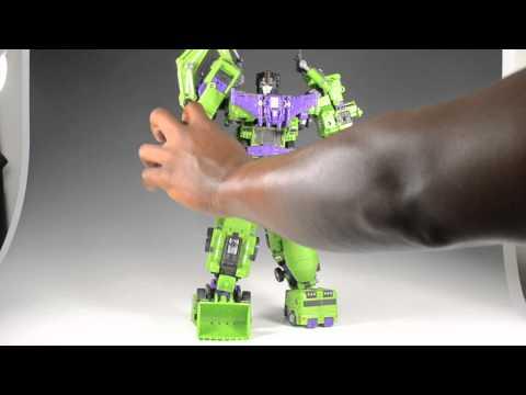 MakeToys Giant Vs. TFC Hercules: Round 3 - Gestalt (combined) mode