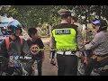 Pengendara Ini Nekat Lawan Arah dan Naiki Trotoar Meski Ada Razia Part 03 - Police Story 18/06