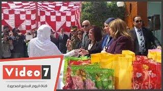 بالفيديو.. توزيع هدايا على 75 من السجينات باحتفال سجن النساء بعيد الأم