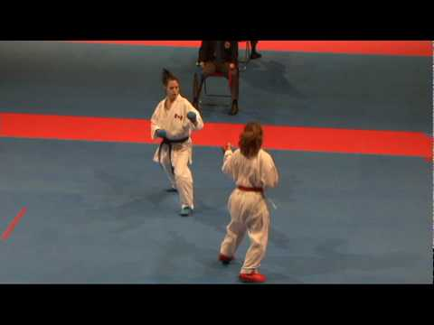 2009 WKF Jr Worlds Junior Female  -48 Kg Aka USA vs Ao Canada...