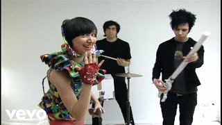 Watch Yeah Yeah Yeahs Cheated Hearts video