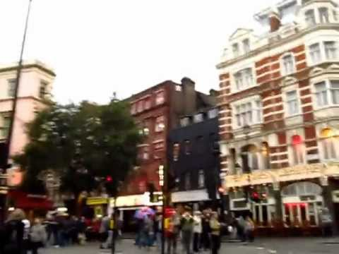 5 Min Walk from Covent Gardens to Leicester Square London England - Phil in Bangkok