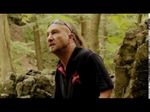Aurora - Robin Hood Videoklip (HQ) 2012 Esszencia