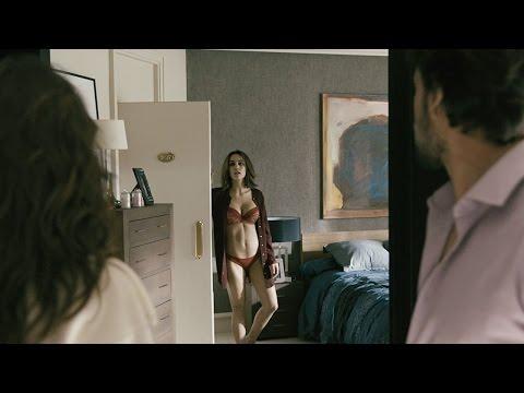 Sin Identidad T2 - María deja en evidencia a Juan delante de Helena
