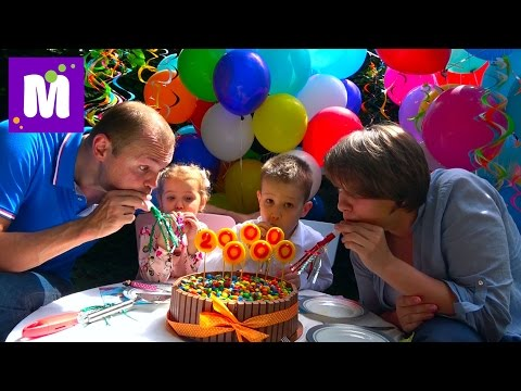 2 000 000 подписчиков Макс продает на рынке игрушки отдаём деньги больным деткам катание на байке