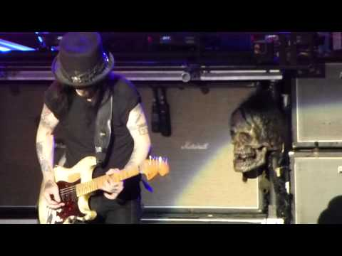 Motley Crue Mick Mars Guitar solo Verizon Wireless Amphitheatre, Irvine,CA 8-14-12.MTS