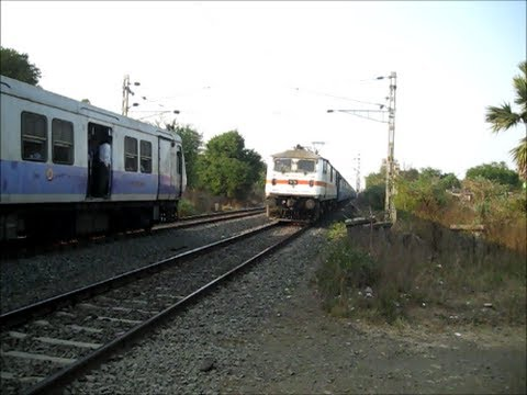 Offlink Gzb Wap-7 Dragging The Puny Load Of 19024 Firozpur Janata Express... video