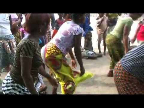Booty Mapouka Danse Village Traditional Mot A Mot video