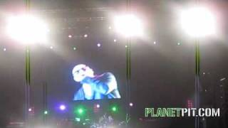 MR 305 PERFORMS KRAZY IN LIMA, PERU