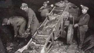 Watch Johnny Cash Loading Coal video